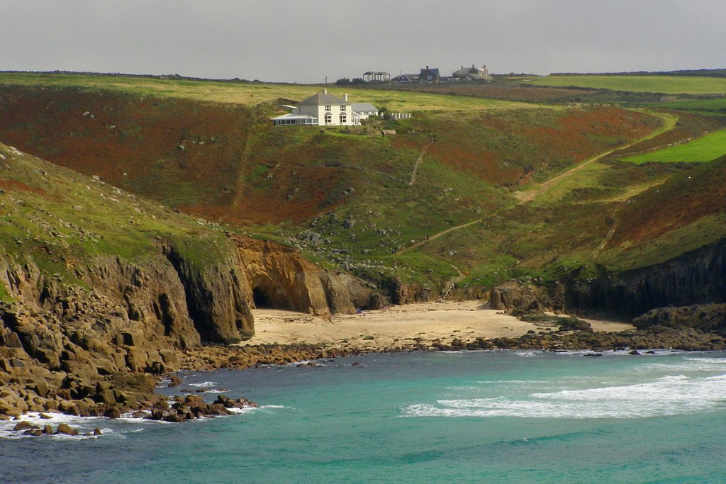 Nanjizal_cove_from_Carn_Boel_August_2008