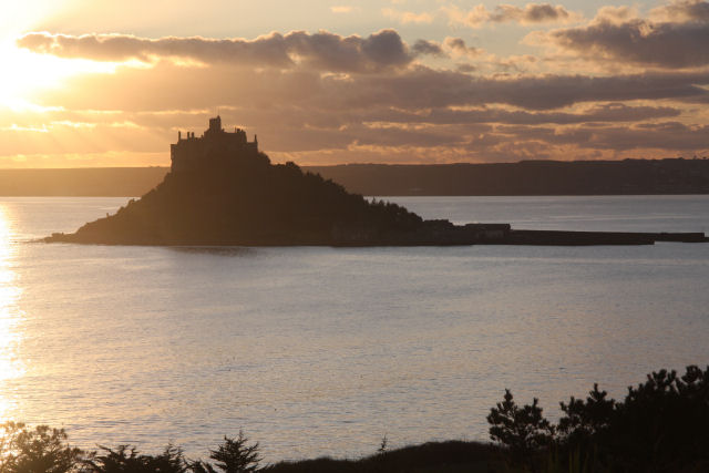 St_Michael's_Mount_at_sunset_-_geograph.org.uk_-_1648474